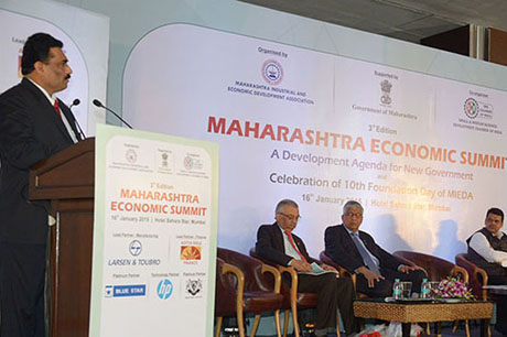 Shri Chandrakant Salunkhe – Founder and President, MIEDA and SME Chamber of India addressing the delegates