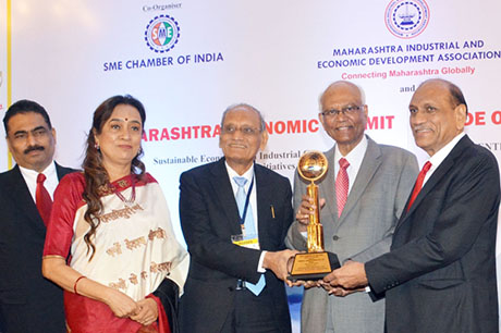 Dr. Raghunath Mashelkar, President of Global Research Alliance & Former Director General of Council of Scientific & Industrial Research (CSIR) presenting PRIDE OF MAHARASHTRA AWARD 2018 for for BEST COMPANY OF THE YEAR (Research & Innovation) to HiMedia Laboratories Pvt. Ltd., Mumbai. Award received by Dr. G. M. Warke, Founder & CMD, HiMedia Laboratories Pvt. Ltd and Mr. V. M. Warke, Director, HiMedia Laboratories Pvt. Ltd. Shri. Chandrakant Salunkhe, Founder & President, Maharashtra Industrial & Economic Development Association and SME Chamber of India were present